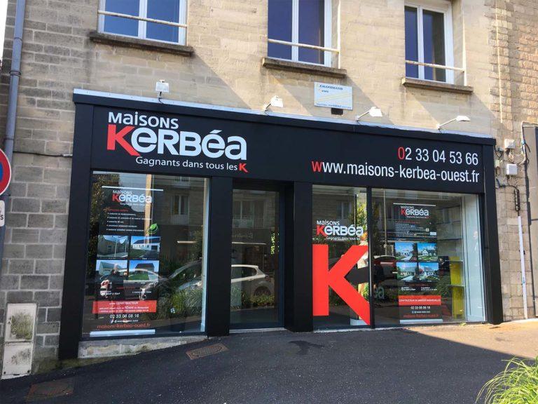 Kerbéa – Enseigne et vitrine