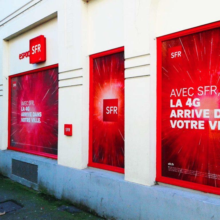 SFR France – Adhésif vitrine