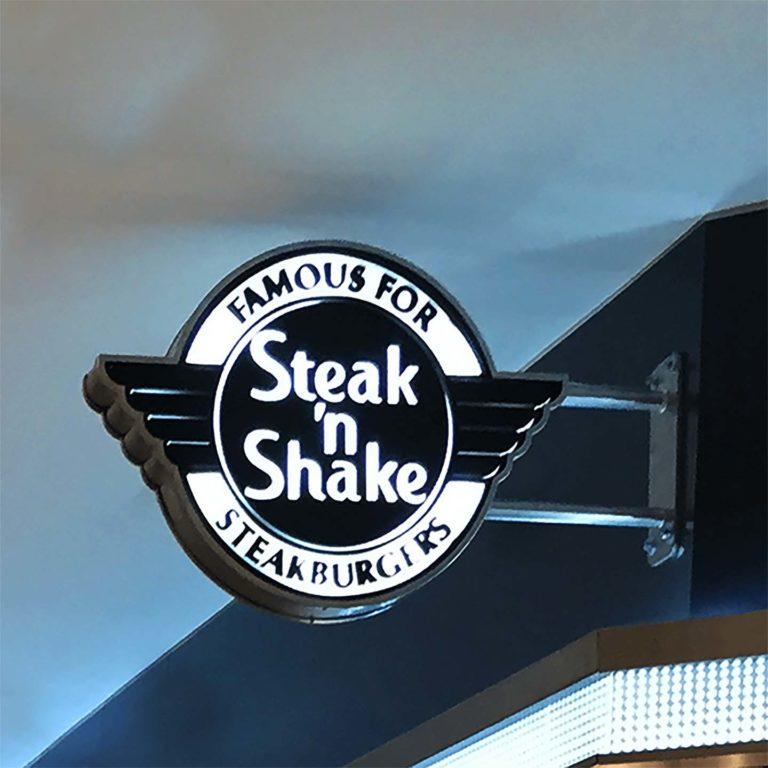 Steak N' Shake – Enseigne drapeau