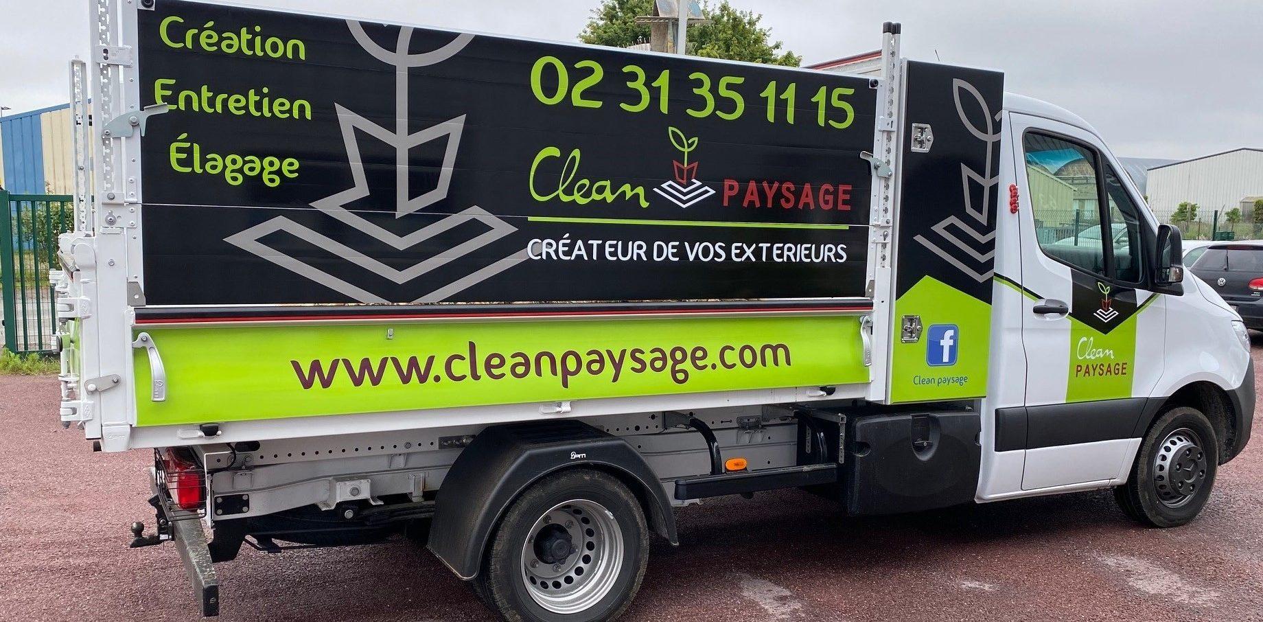 Un joli covering pour le camion de la société Clean Paysage